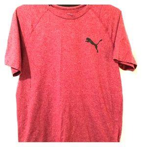 Mens PUMA T-Shirt. Looks Brand-new!